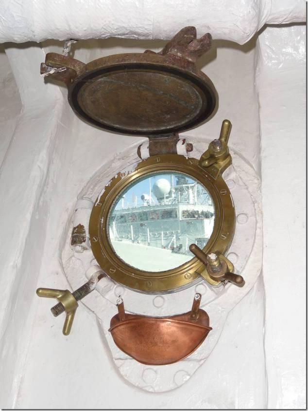 porthole-05