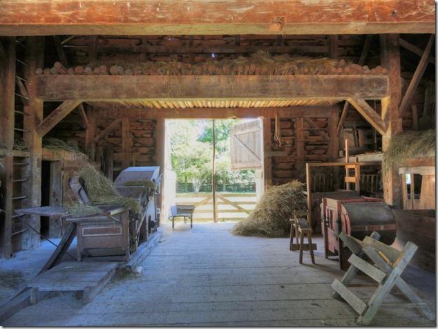 cow,chicken,chikken,barns,Ontario,history,upper canada village