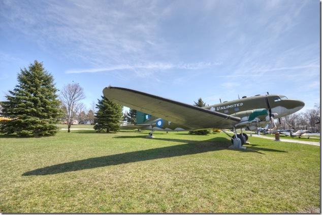 Douglas Dakota,CC-129,C-47,DC-3