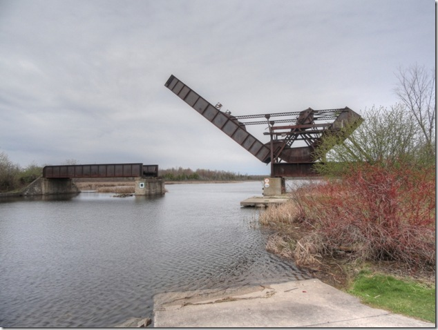 Smith Falls,Rideau Canal,Onatario,train bridge,railway brdige,lift bridge,National Historic Site,Canadian Northern Railway
